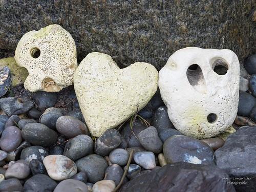 Herz und Hühnergötter