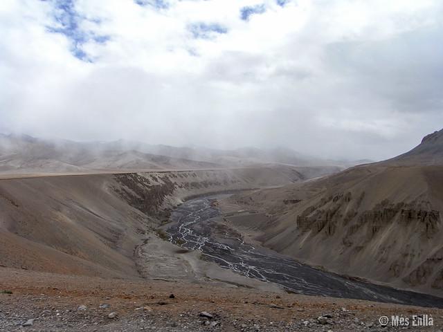 valle desértico en ruta Manali a Leh