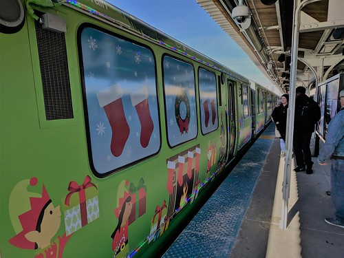 2017 Jewel-Osco CTA Holiday Train & Bus