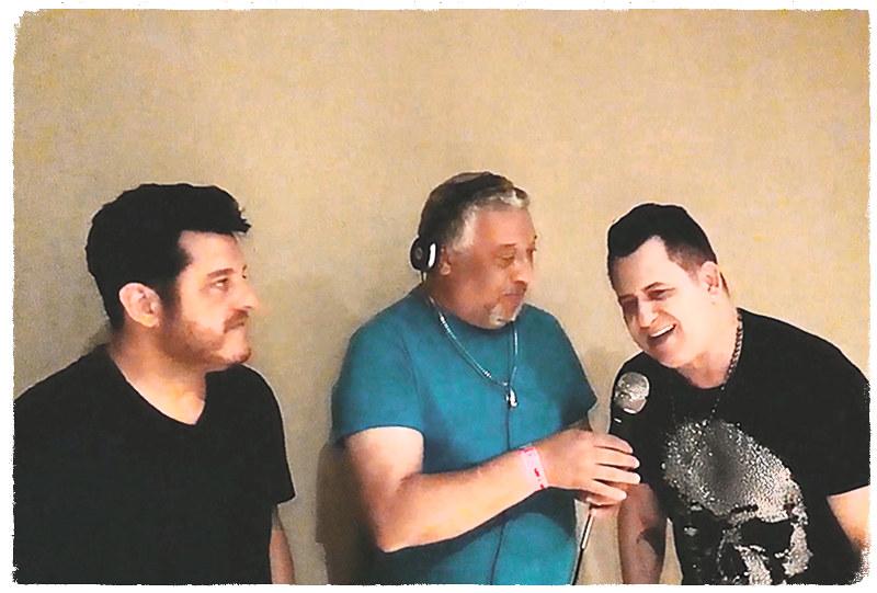 com Bruno e Marrone