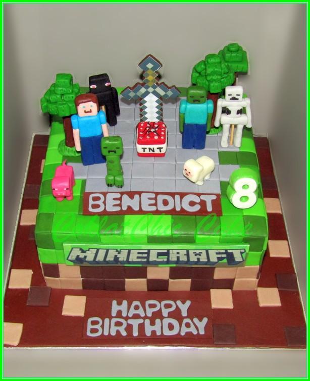 Cake Minecraft BENEDICT 22cm