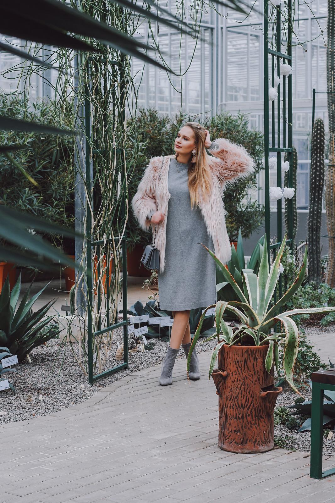 Light winter fashion