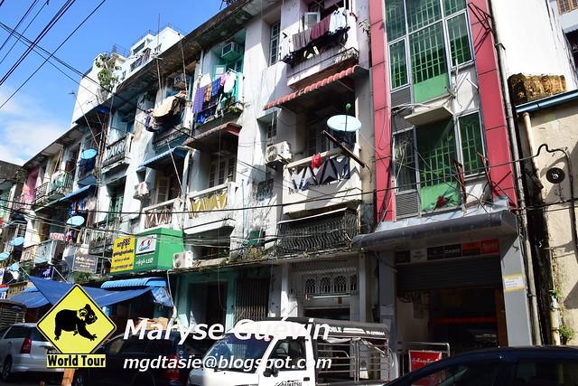 Yangon, ville et  marché de Bogyote Birmanie Myanmar