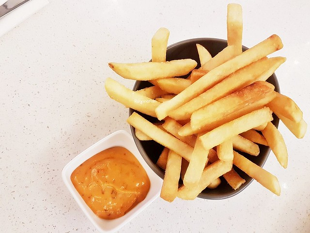 Straight-Cut Fries, Spicy Mayo