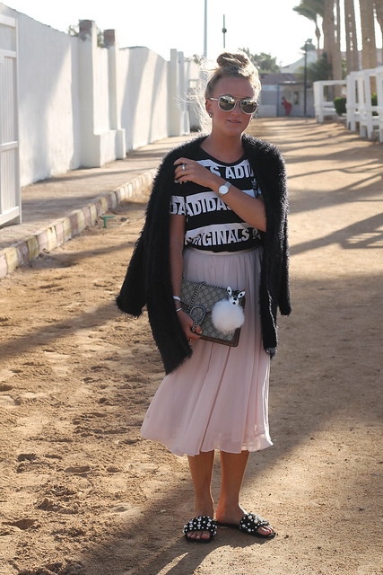midi-skirt-whole-outfit-wiebkembg