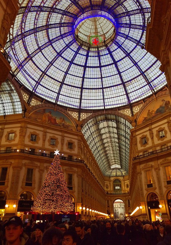 Milan sparkling for the holidays