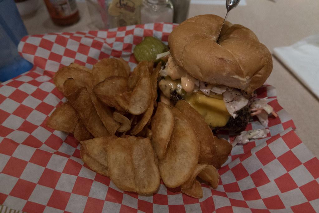 Burger at Rizz's