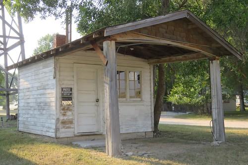 Old Filling Station (Jay Em, Wyoming)