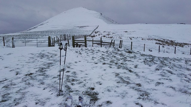 ^^ Caer Caradoc ski touring on the Saturday afternoon.