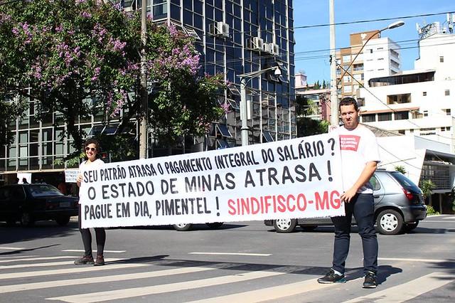 Servidores públicos de Minas vão receber 13º salário dividido em quatro vezes