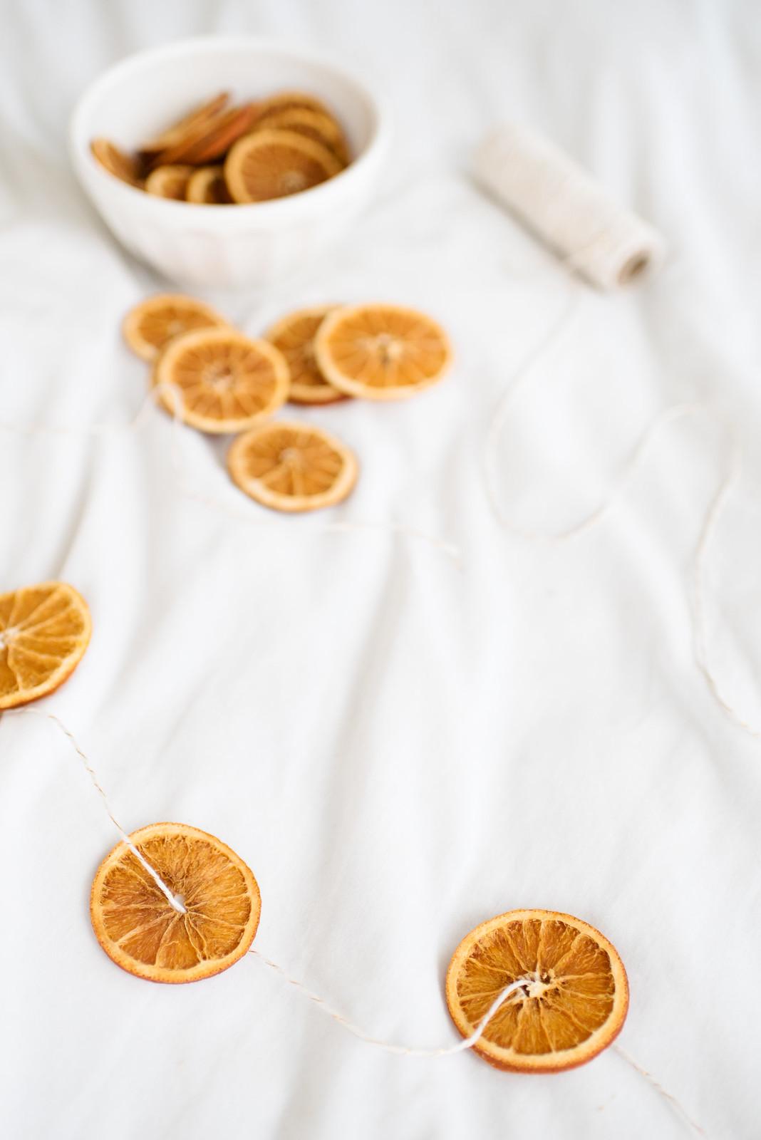 DIY Dried Oranges on juliettelaura.blogspot.com