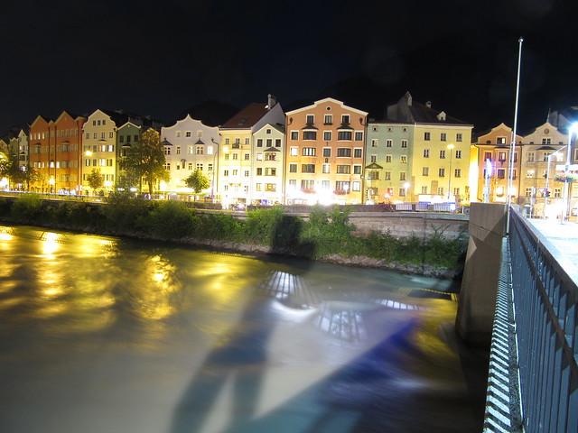 Häuser am Ufer des Inn
