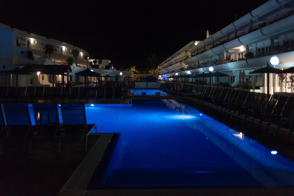 Hotel Barlovento bei Nacht
