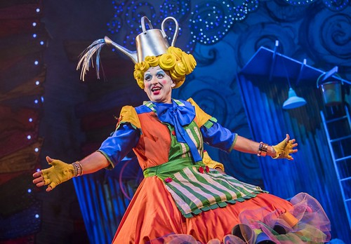 Kraig Thornber (Dame) in Jack and the Beanstalk Lyric Hammersmith