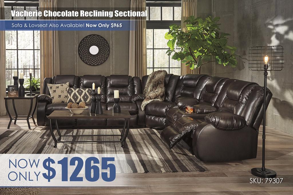 Vacherie Chocolate Sectional_79307-88-77-94-T048-PILLOW