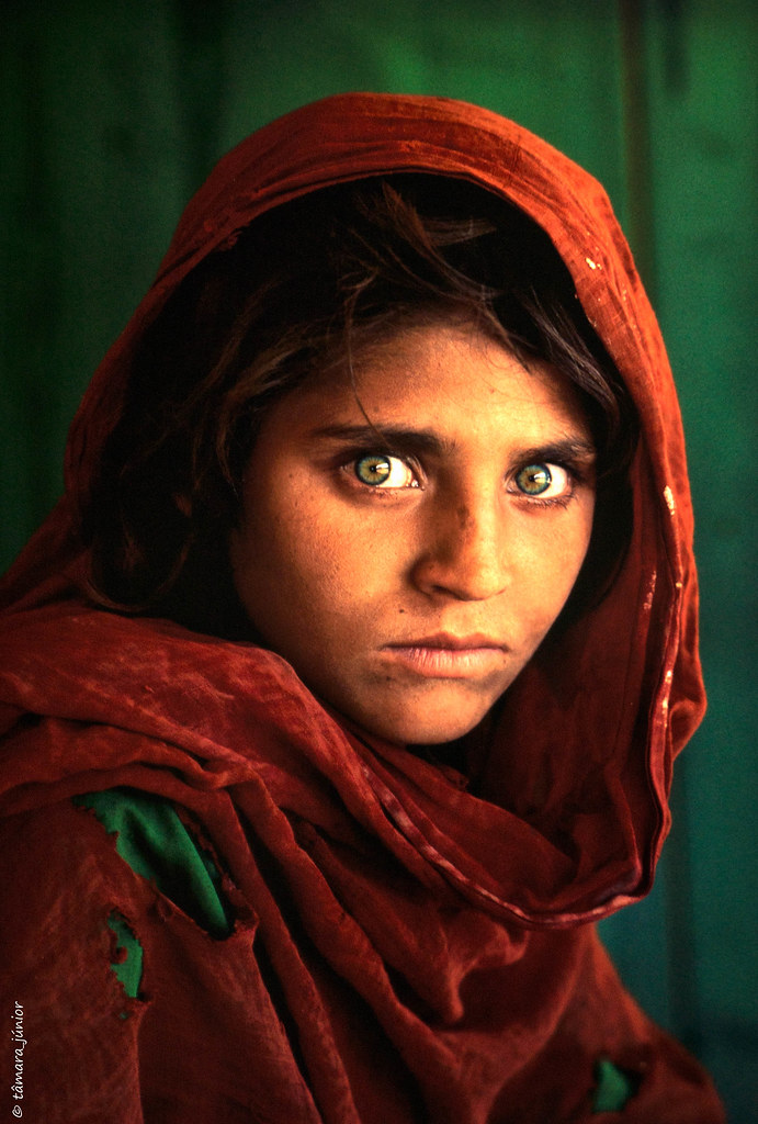 01.- Menina Afegã, Sharbat Gula, Peshwar, Pakistan, 1984