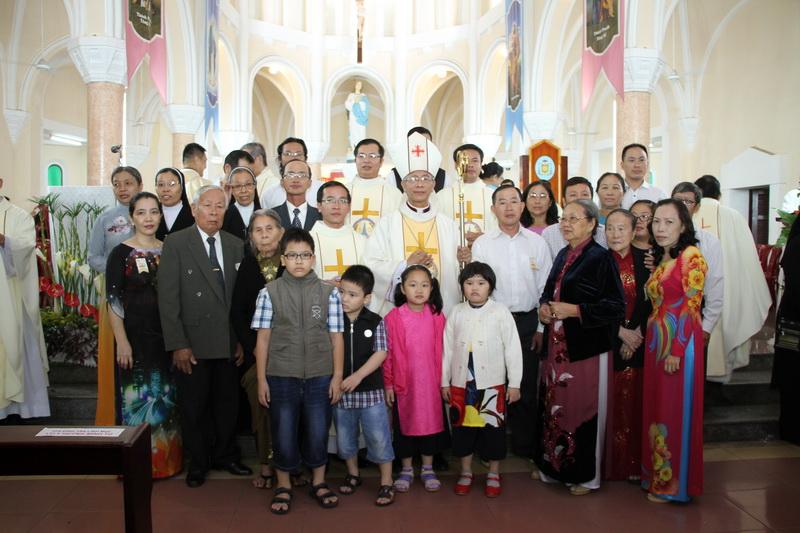 Thánh Lễ Truyền Chức Linh Mục Giáo Phận Qui Nhơn - Ảnh minh hoạ 122
