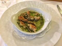 Cuisse de grenouilles, beurre persillade