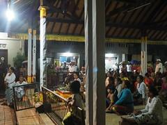 土, 2017-11-11 05:46 - PenestananのKuninganのお祭り
