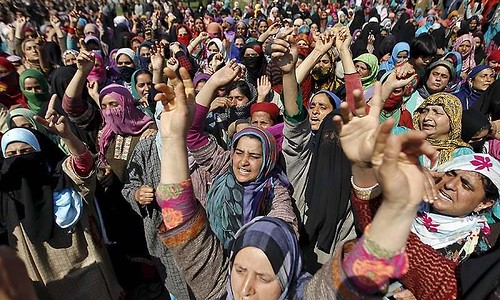 Families Protest in Srinagar against Land Occupation by Army