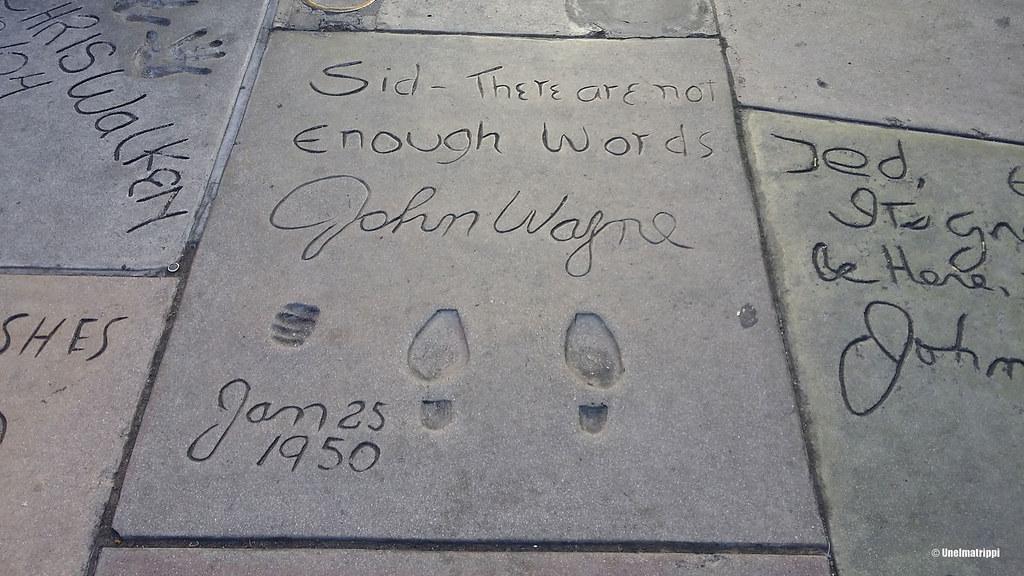 John Waynen jäljet katukivessä, Chinese Theatre, Los Angeles, Kalifornia, USA