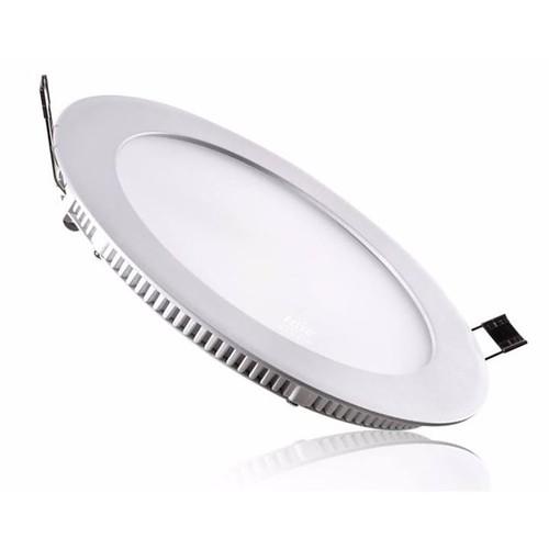 Đèn led downlight âm trần ánh sáng màu trắng công suất 9W bóng tròn Price: VNĐ135000.0 Đèn led âm trần ánh sáng màu trắng cao cấp có công suất 9w, rất dễ sử dụng. - Đèn led âm trần siêu mỏng 3 chế độ màu dùng âm trần thạch cao, cho ánh sáng như ý người dù