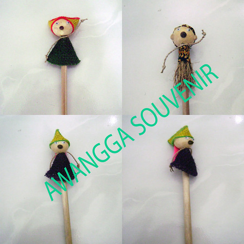 souvenir pensil boneka Natural