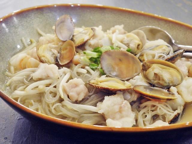 Braised La La Ying Yang Noodles