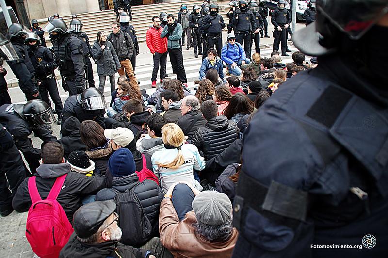 2018_02_23-Ens volen callades, però respondrem plegades-Manuel Roldán-01