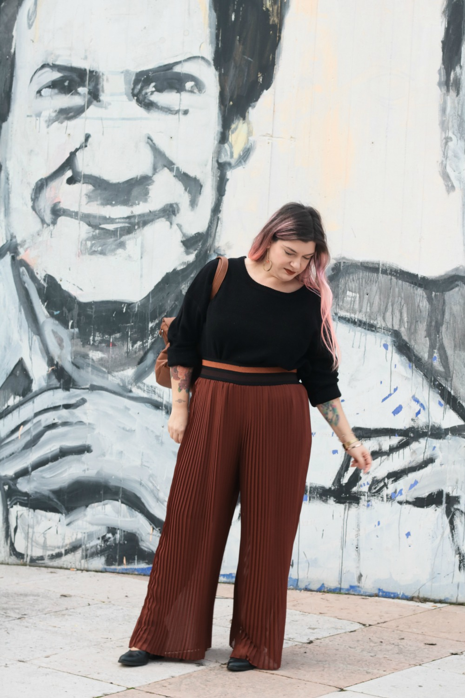 Outfit_plus_size_curvy_pantaloni_palazzo_elvi_cappotto_handmade_Franco (2)