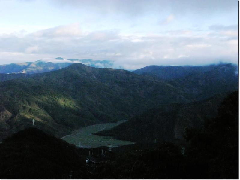 北里龍山北望中心崙山、南湖呂山