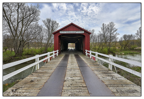 redcoveredbridge coveredbridge princeton bureaucounty illinois nikon d800