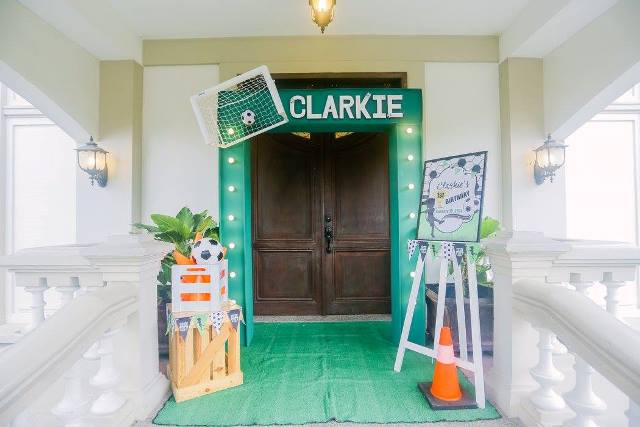 clarkie soccer party entrance (2)