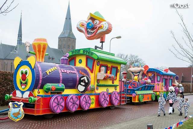 Carnavalsoptocht in Deurningen