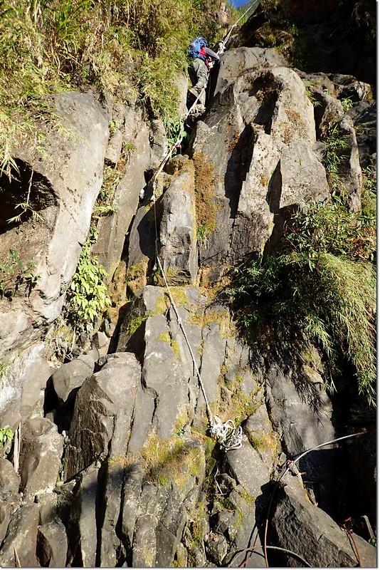 獅子頭山乾溪谷垂壁地形 1