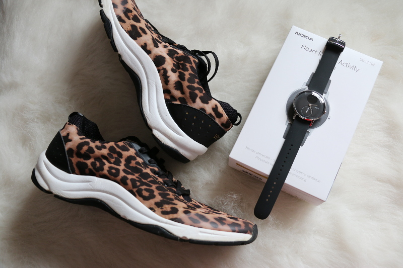 nokia-steel-hr-activity-tracker-leopard-sneakers-2