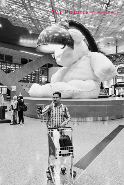 2018 Doha, Hamad International Airport. Selfie With The Giant Teddy Bear.