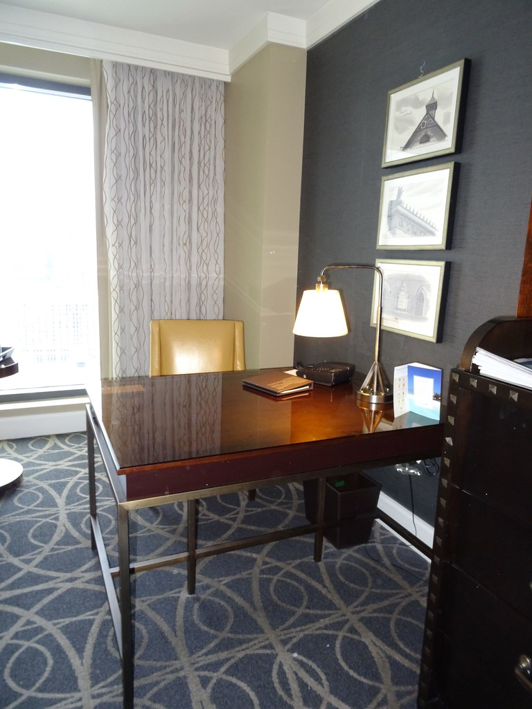 Desk area in room 1929 at the Omni Nashville