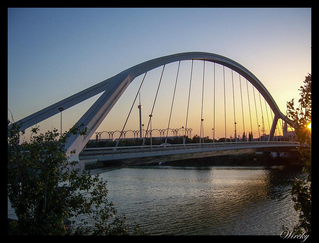 viajar Sevilla lugares imprescindibles - Puente de la Barqueta
