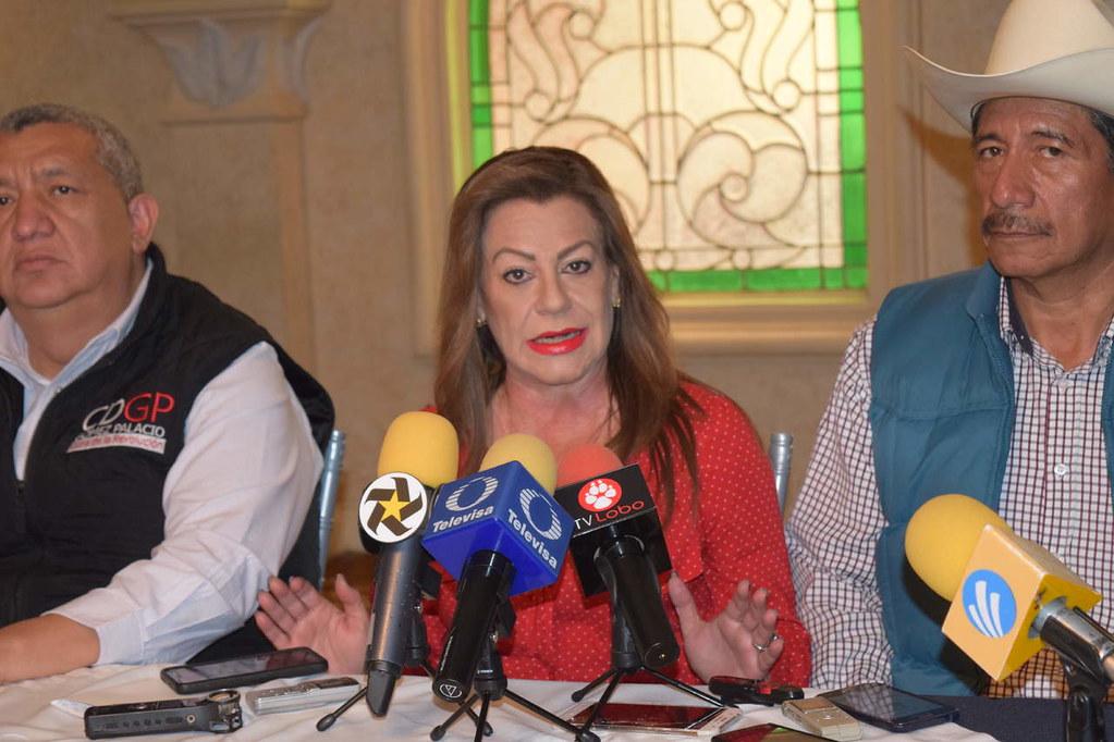 PÁG. 4 (3). La alcaldesa gomezpalatina con licencia, Juana Leticia Herrera Ale...