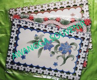 taplak meja motif bunga
