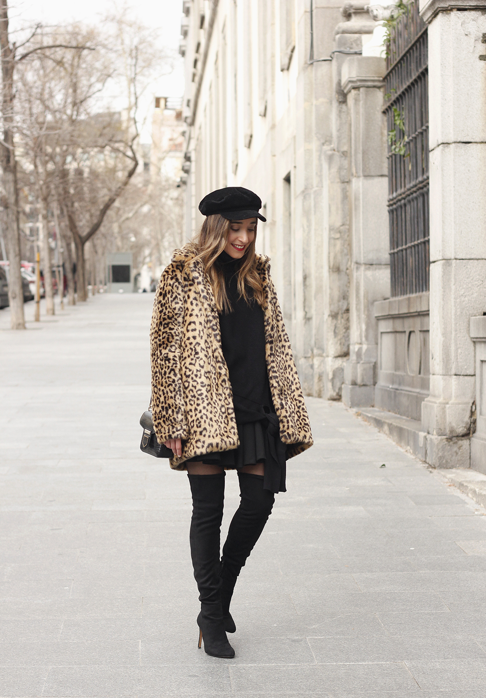 leopard coat black outfit over the knee boats givenchy black cap winter outfit07