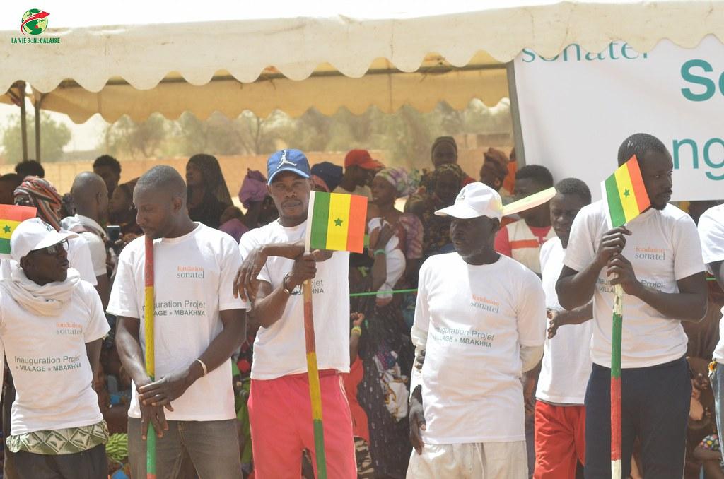 Inauguration d'infrastructures  de base à Mbakhna Par la Fondation SONATEL (38)