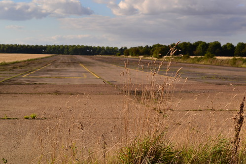Glatton (Conington) second runway markings