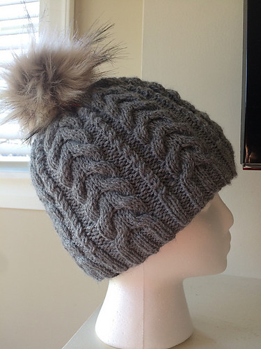 Mattedcat (Lise)'s Grey Cables Hat