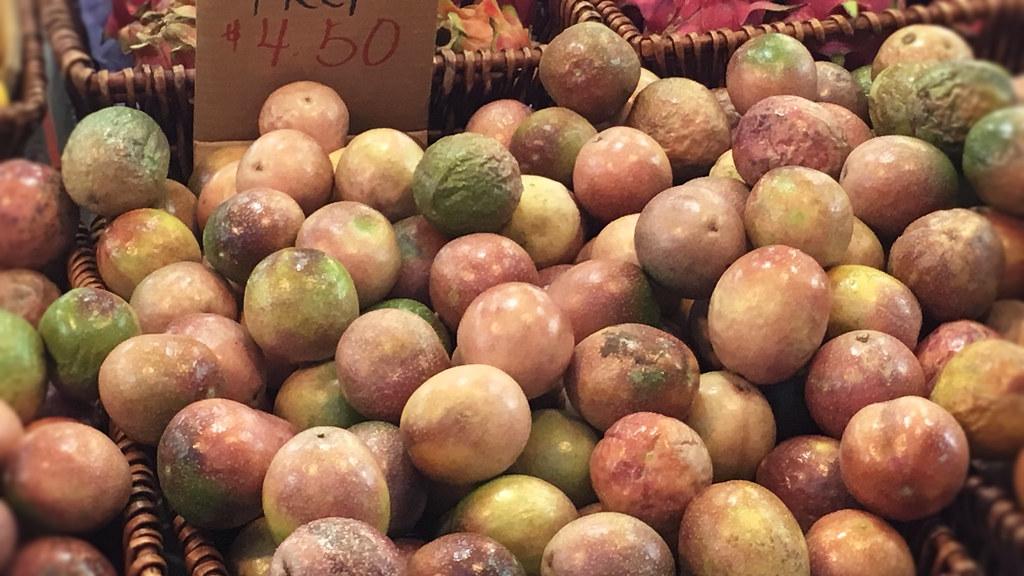 パッションフルーツ(Passionfruit)