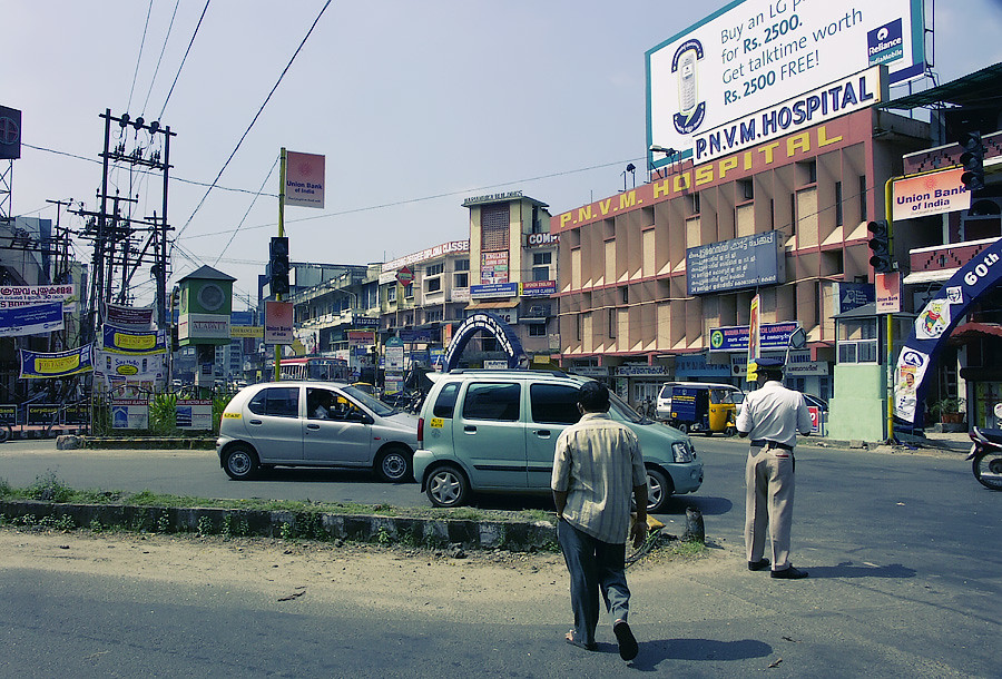 Одна из главных улиц Кочина. Керала, Индия © Kartzon Dream - авторские путешествия, авторские туры в Индию, тревел видео, фототуры