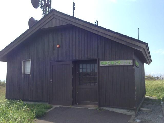 hokkaido-rishiri-island-senpoushi-misaki-promontoty-break-hut-appearance-01