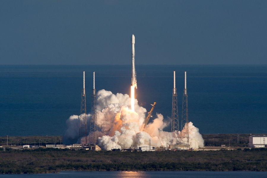 Voici la «dernière photo» de Starman alors qu'il part dans l'espace