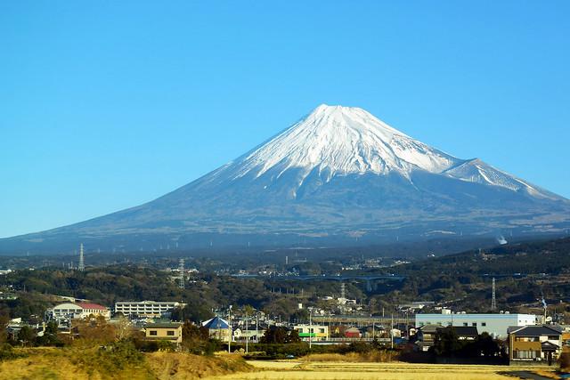 Mt.Fuji ... Out of, Nikon 1 V3, 1 NIKKOR VR 10-30mm f/3.5-5.6 PD-ZOOM